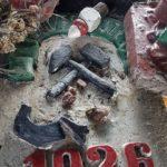 Figurka św. Barbary i płaskorzeźby z orłami z KWK Kazimierz-Juliusz – fot. Rada Dzielnicy Kazimierz Górniczy
