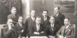 Prezydent Aleksy Bień ze współpracownikami – fot. WikiZagłębie