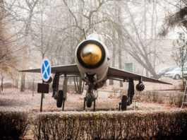 """Transport MiG - 21M - fot. Muzeum Miejskie """"Sztygarka"""" w Dąbrowie Górniczej"""