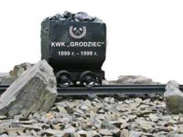 Upamiętnią kopalnię - fot. UM Będzin