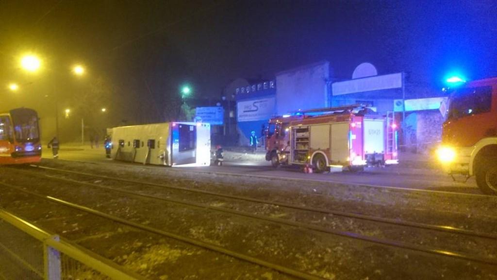 Kolizja autobusu w Sosnowcu - fot. Rafał Wrona/Informacje Drogowe - Katowice i okolice