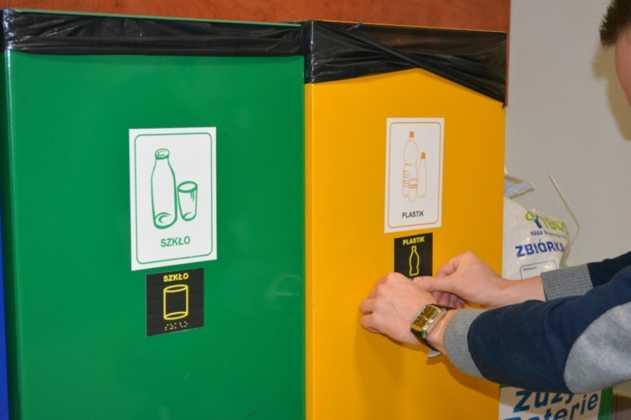 Ułatwienia dla niewidomych w segregowaniu odpadów – fot. UM Jaworzno