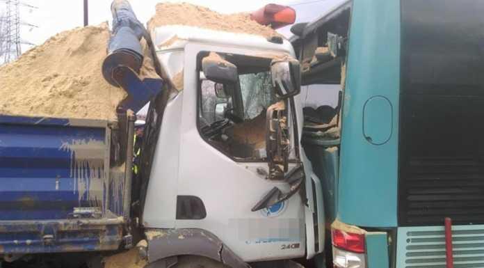 Wypadek autobusu PKM Jaworzno – fot. Adam Pieczyński/Informacje Drogowe - Katowice i okolice