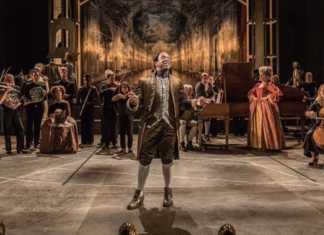 """""""Amadeusz"""" w National Theatre w Londynie – fot. mat. pras."""