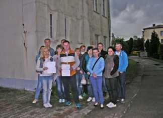 Rodzice uczniów SP nr5 w Trzebiesławicach- fot. AR