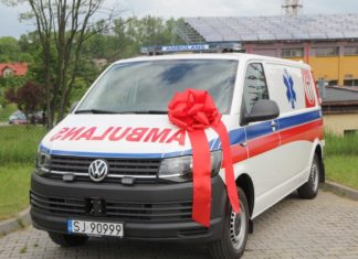 Nowa karetka dla szpitala w Jaworznie – fot. UM Jaworzno