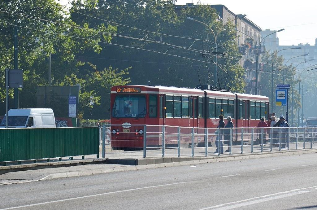 Tramwaj linii 26 na Piłsudskiego - fot. PL