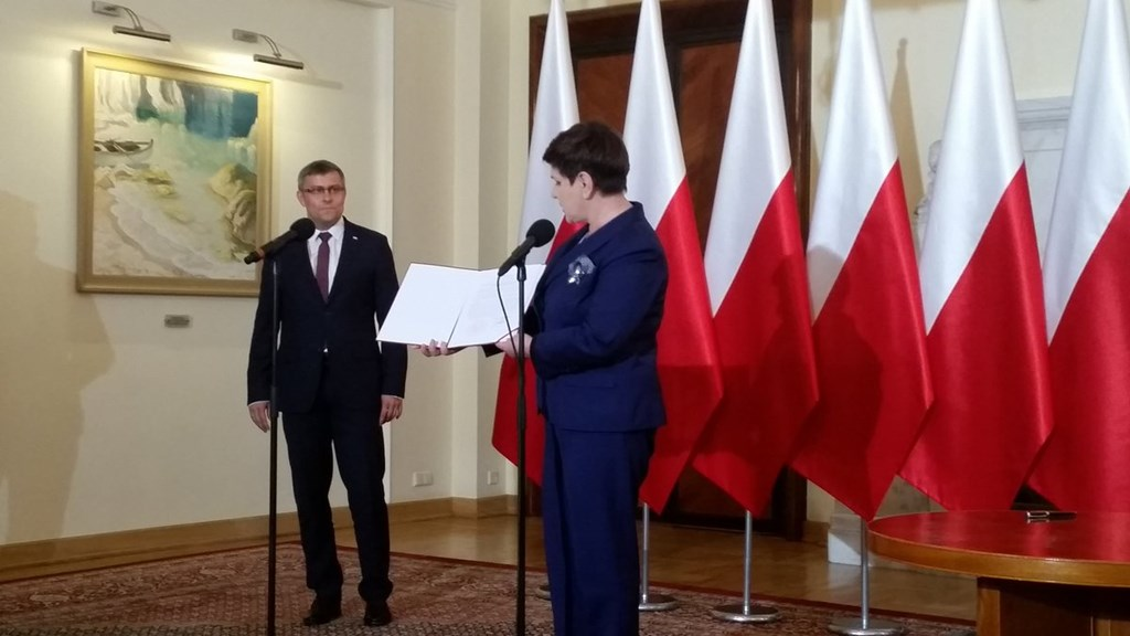 Premier Beata Szydło podpisała rozporządzenie dot. powołujące metropolię – fot. KPRM
