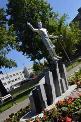 Odsłonięcie rzeźby młodego Janka Kiepury w parku Sieleckim – fot. MZ
