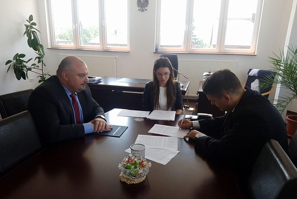 Przekazanie gruntu pod budowę nowego komisariatu w Wojkowicach - fot. UM Wojkowice
