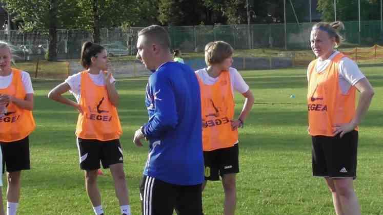 Pierwszy trening piłkarek Czarnych Sosnowiec - fot. Janusz Dyszkowski/Czarni Sosnowiec