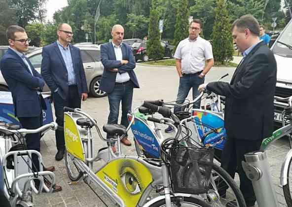 Testują rowery miejskie w Jaworznie – fot. UM Jaworzno