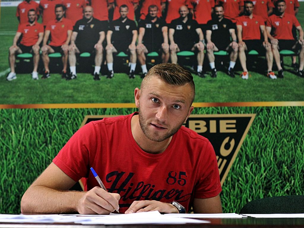 Adam Banasiak piłkarzem Zagłębia – fot. Przemek Kubiak/zaglebie.eu