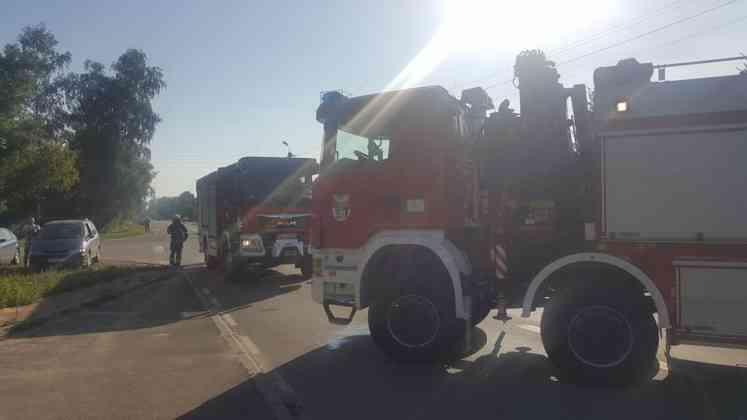 Wypadek na ulicy Idzikowskiego w Dąbrowie Górniczej - Tucznawa - fot. Sławomir Żmudka