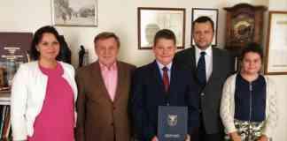 12-latek uratował życie mężczyzny - fot. UM Dąbrowa Górnicza