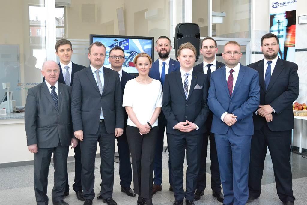 Jeremiasz Świerzawski (czwarty od lewej strony) - fot. MZ