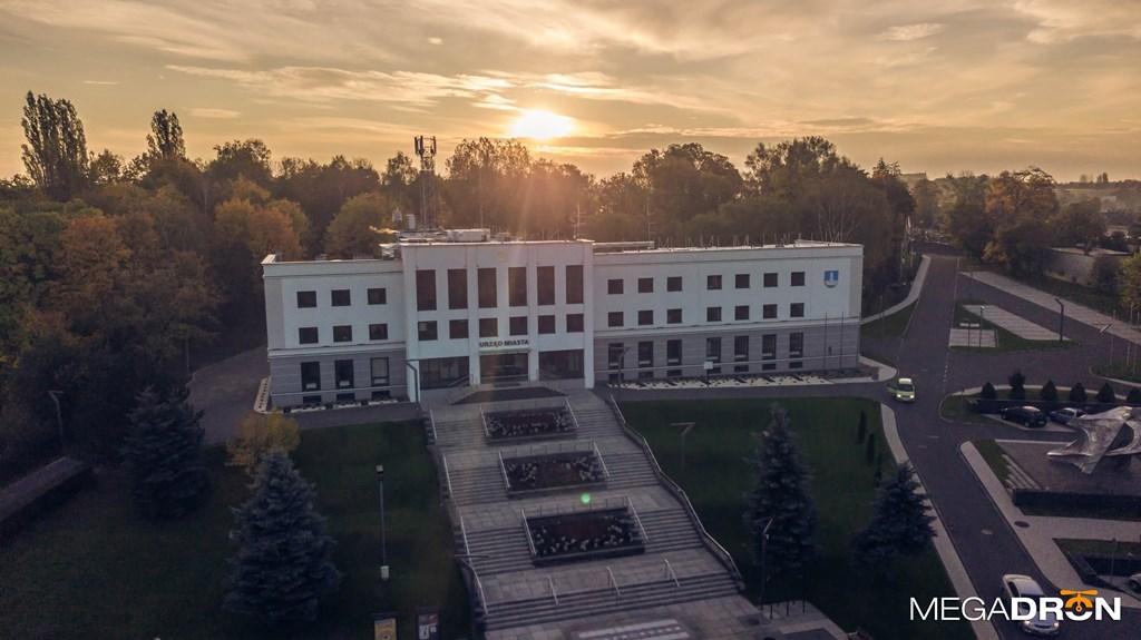 Urząd Miasta w Czeladzi – fot. Maciej Łukasik/MEGADRON