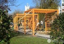 Nowy plac zabaw przy ulicy Tysiąclecia w Dąbrowie Górniczej - fot. Dariusz Nowak