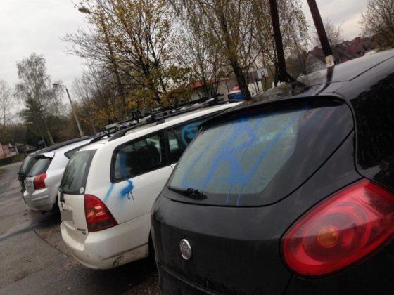 Pomazane samochody w Będzinie - fot. archiwum prywatne