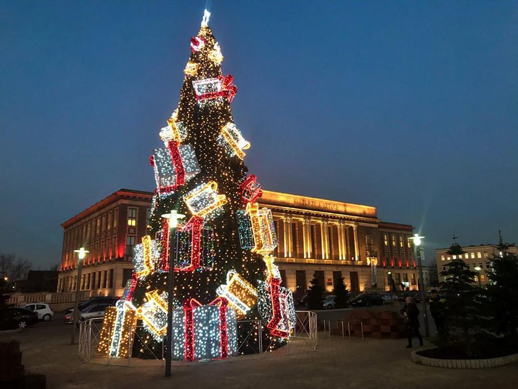 Ozdoby świąteczne w Dąbrowie Górniczej - fot. UM Dąbrowa Górnicza