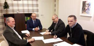 Podpisanie aktu notarialnego między SRK a Sosnowcem - fot. UM Sosnowiec
