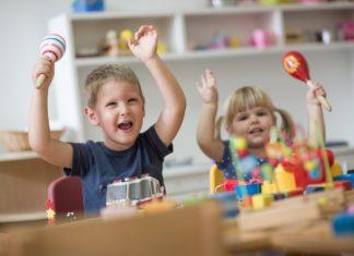 Dzieci, zabawa - fot. Fotolia
