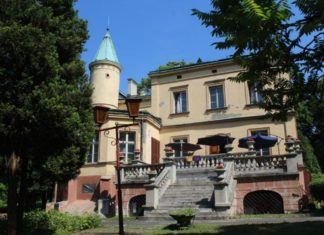 Pałac Ciechanowskich - fot. Wikipedia
