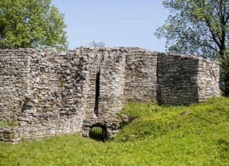 Zamek biskupów krakowskich - fot. UM Sławków