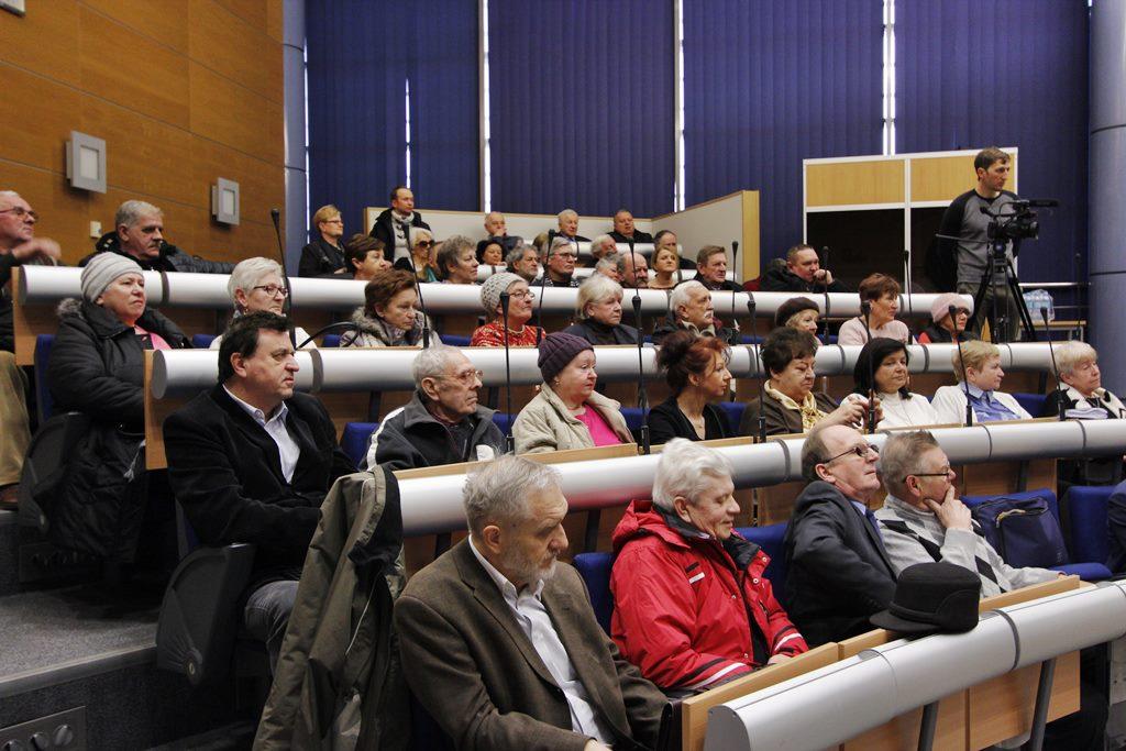 Sesja Rady Miejskiej w Dąbrowie Górniczej w sprawie opłaty adiacenckiej - fot. AR