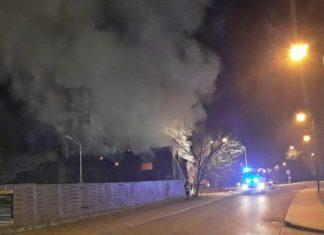 Pożar pustostanu w Sosnowcu - fot. Sosnowiec998/Facebook