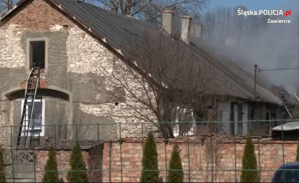 Pożar kamienicy w miejscowości Wysoka - fot. Policja Zawiercie