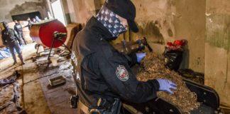 Nielegalna fabryka tytoniu w Sosnowcu - fot. CBŚP