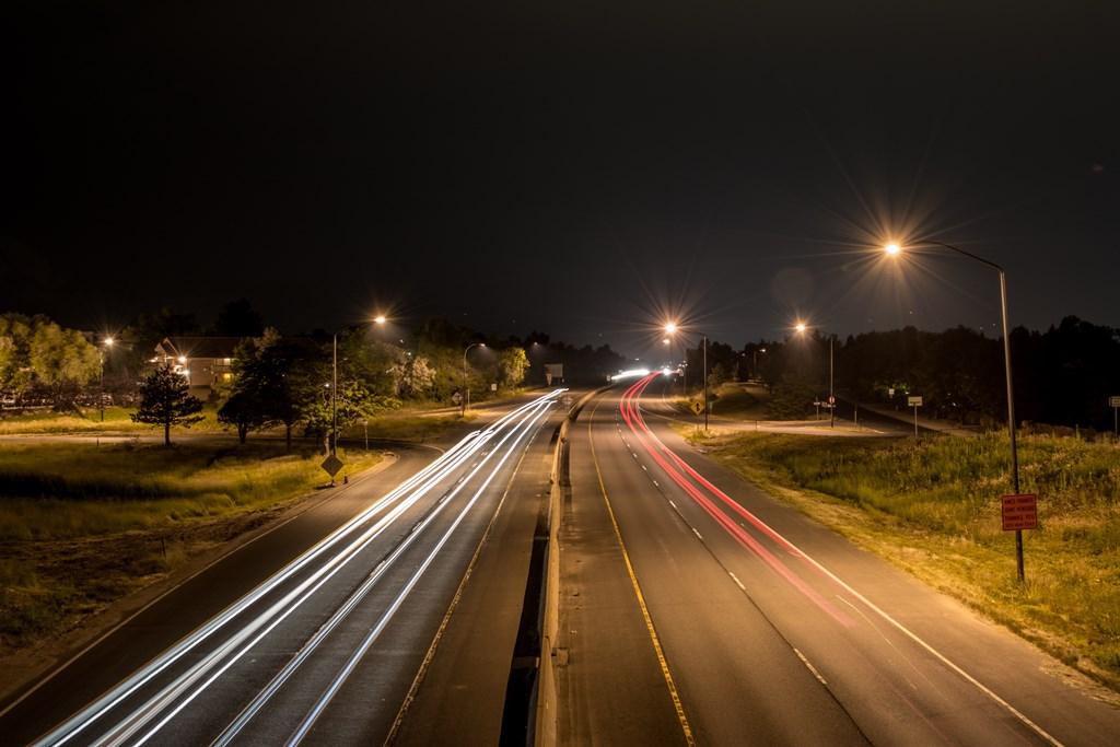 Oświetlenie uliczne - fot. Pixabay