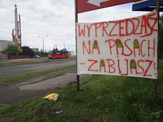 Mieszkańcy Będzina zablokowali ulicę po tragicznym w skutkach wypadku na al. Kołataja - fot. Anita Leśniak/Facebook