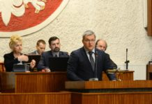 Sesja absolutoryjna - fot. Łukasz Komoniewski/Facebook