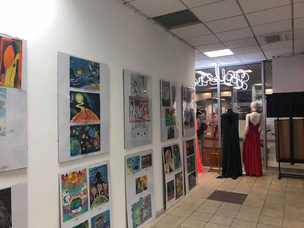 """Wystawa prac konkursowych """"Inne Spojrzenie"""" - fot. OPP"""