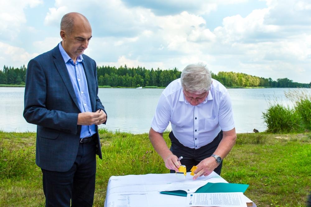 Podpisanie umowy na pierwszy etap prac modernizacyjnych zalewu Sosina – fot. UM Jaworzno