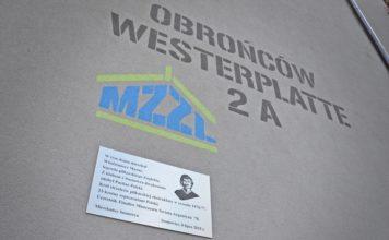 Odsłonięcie tablicy upamiętniającej Włodzimierza Mazura – fot. UM Sosnowiec