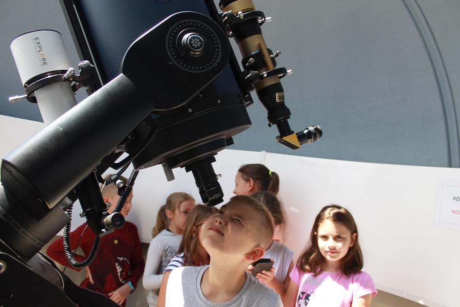 Szkolne obserwatorium astronomiczne – fot. mat.pras.