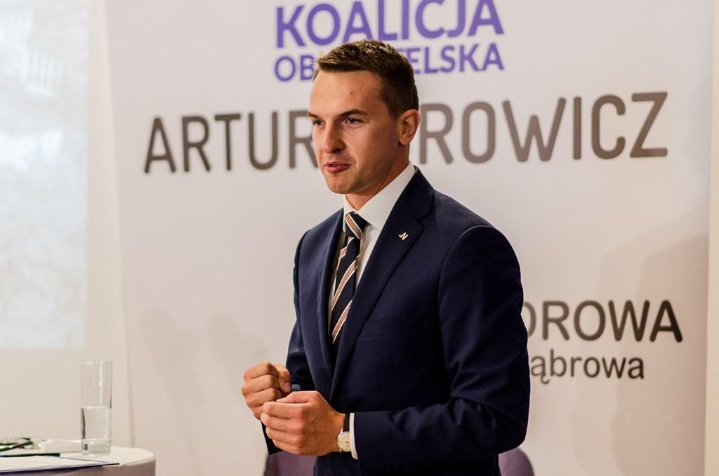 Artur Borowicz kandydatem Koalicji Obywatelskiej na prezydenta Dąbrowy Górniczej – fot. Facebook/Beata Małecka-Libera