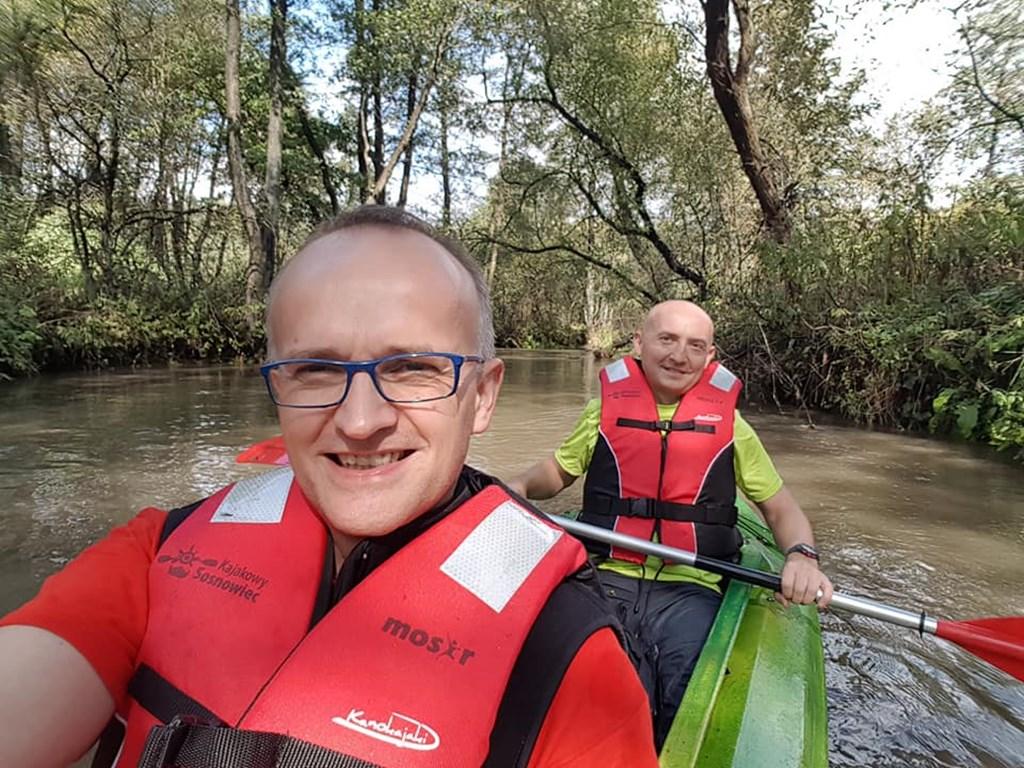 Rafał Adamczyk na spływie kajakowym - fot. Facebook