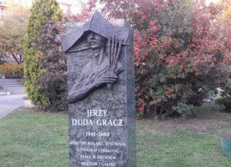 Pomnik malarza w Galerii Artystycznej na placu Grunwaldzkim w Katowicach - fot. AR