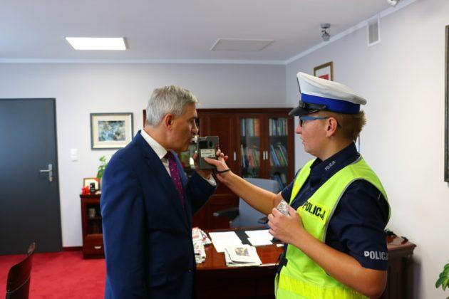 Policja w gabinecie burmistrza Czeladzi - fot. UM Czeladź