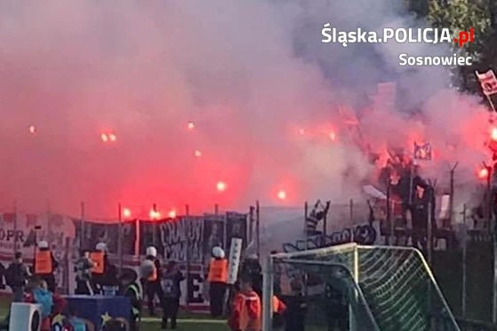 Pseudokibice zatrzymani po meczu - fot. KMP w Sosnowcu