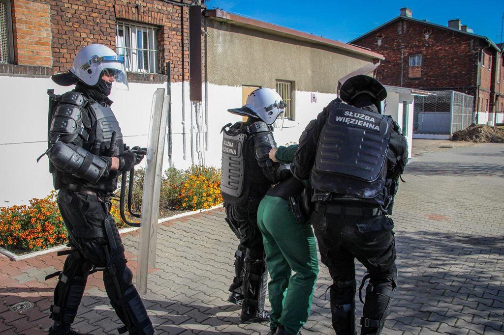 Ćwiczenia w sosnowieckim areszcie śledczym – fot. mat.pras.