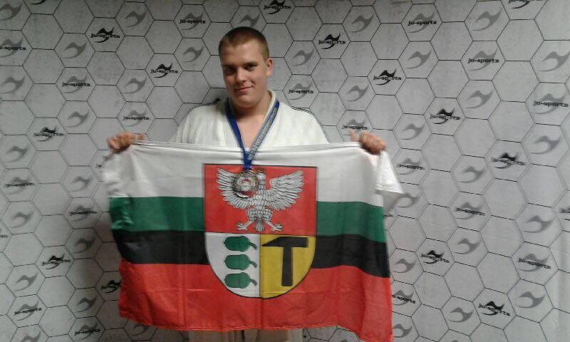 Karol Czerwiński z Dąbrowy Górniczej został wicemistrzem Europy w Ju-Jitsu – fot. AR