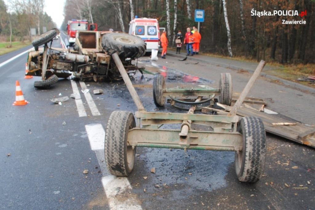 Traktorzysta wymusił pierwszeństwo - fot. KPP w Zawierciu