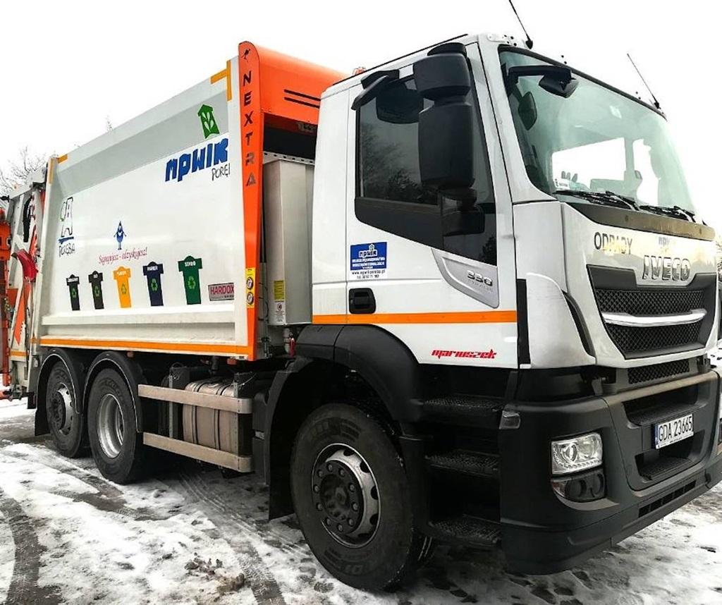 Nowy pojazd w Miejskim Przedsiębiorstwie Wodociągów i Kanalizacji w Porębie - fot. UM Poręba