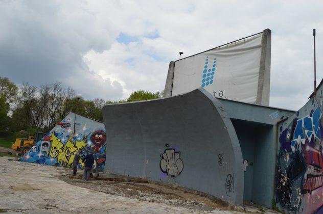 Trwa remont amfiteatru w parku Grabek – fot. MZ