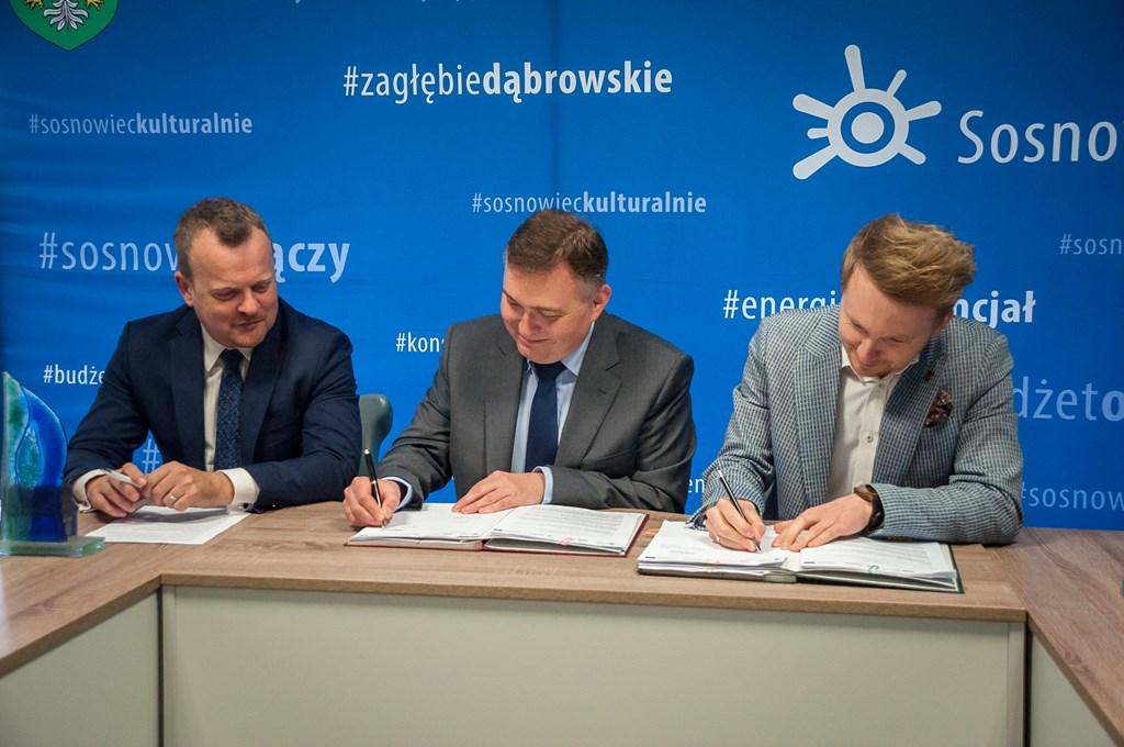 Podpisanie umowy na rozbudowę Sosnowieckiego Roweru Miejskiego - fot. UM Sosnowiec